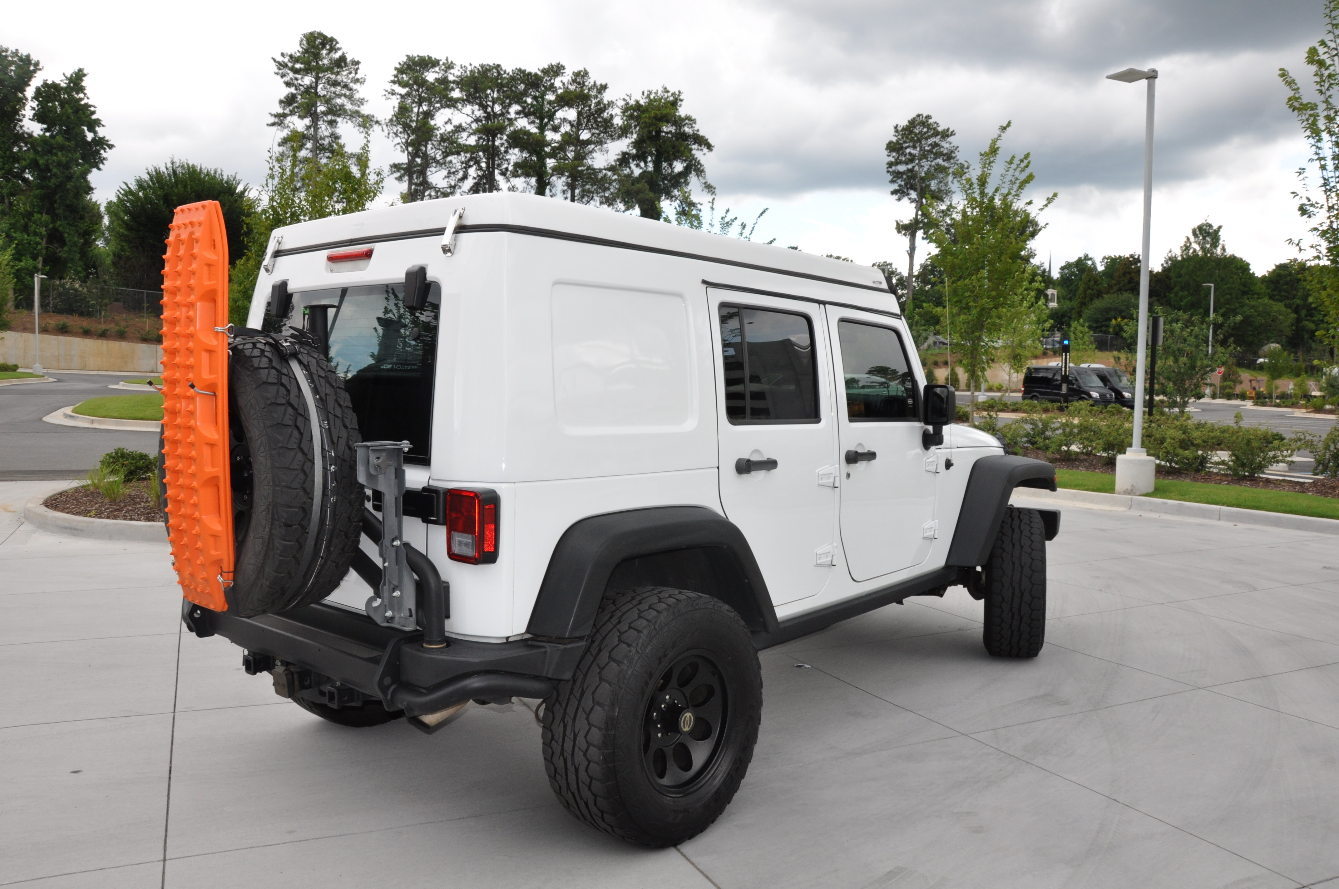 2015 Jeep Wrangler Unlimited with AT Overland Habitat